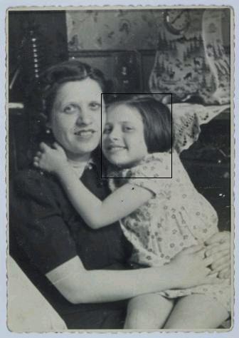 Fela Flamberg and her mother